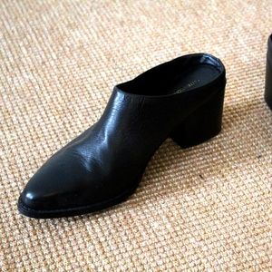 Intentionally Blank Black mules  Size 39